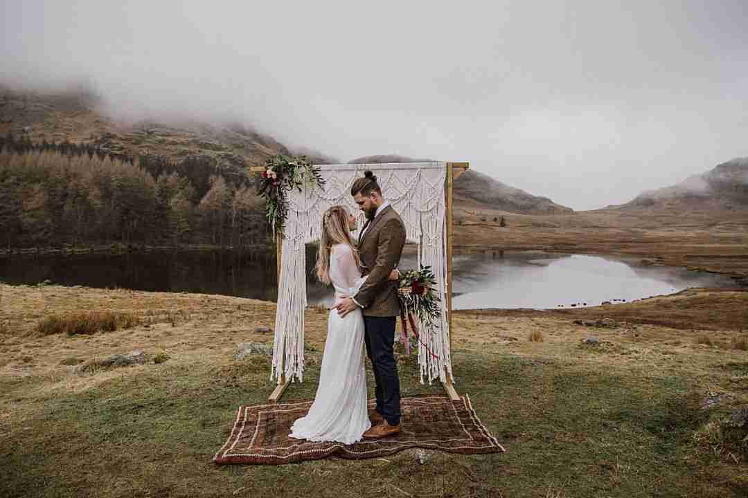 Festival Brides - WILD & ROMANTIC | A GORGEOUS BOHO ELOPEMENT SHOOT IN THE LAKE DISTRICT